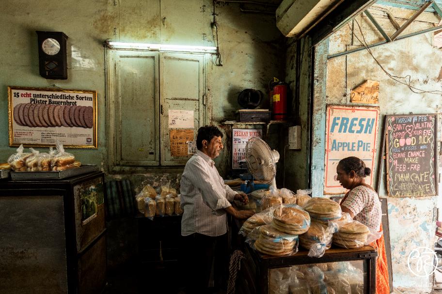 Yazdani Bakery Iranian Bakery and Cafe of Bombay - 3