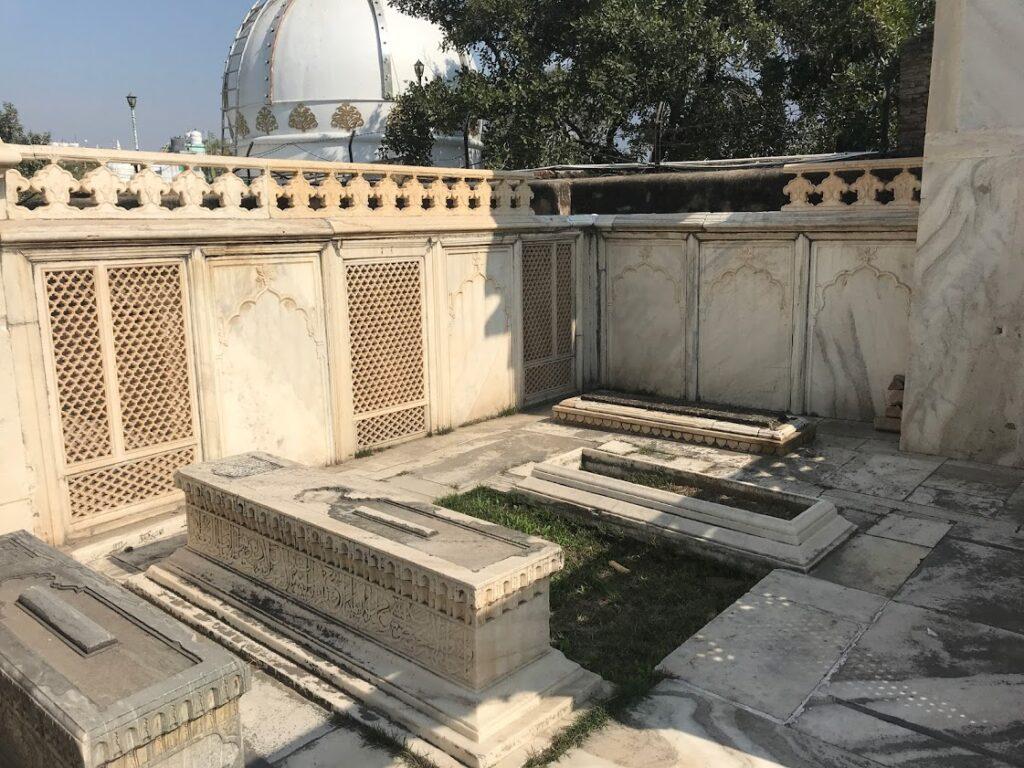 Bahadur Shah Zafar Grave Zafar Mahal
