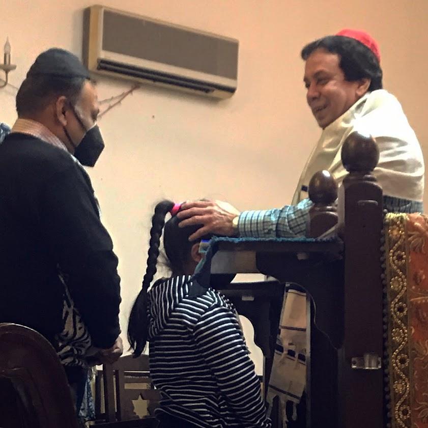 Rabbi Ezekiel Malekar Blessing Judah Hyam Synagogue Delhi